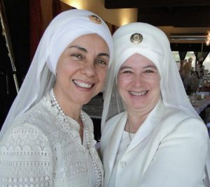 sikh-women-wearing-white